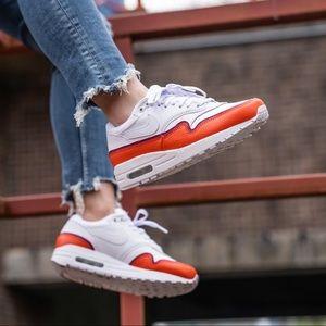 Nike Women's Air Max 1 SE
